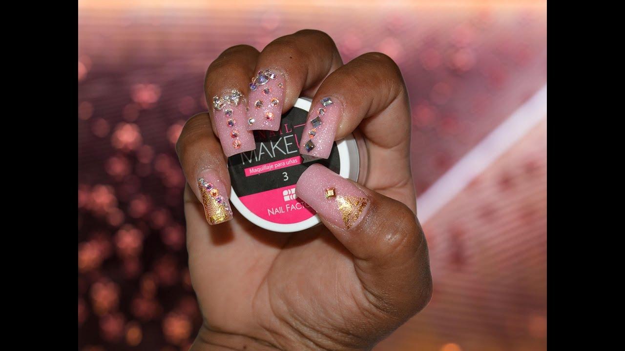 Sojama u as acr lico rosa de maquillaje y piedras de for Unas con piedras swarovski