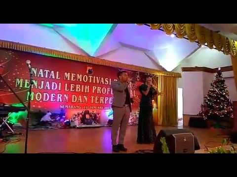 Penampilan duet Judika dan Maria Calista dalam perayaan Natal Polda Jateng