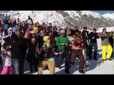 Woman's Week 2013 - Flash Mob on the snow @ Tagliede