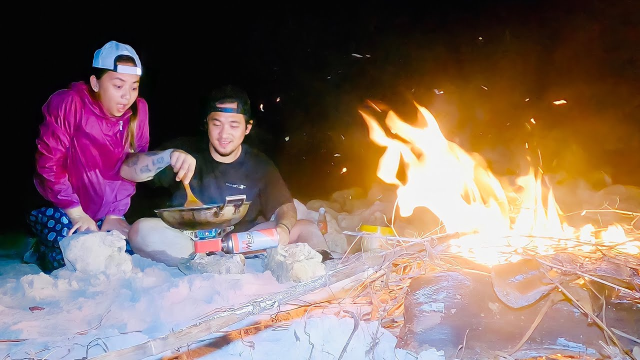 CATCH & COOK at NIGHT With My Wife in the ISLAND | Geo Ong