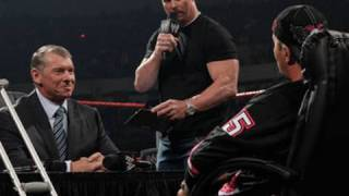 "Raw: ""Stone Cold"" moderates Bret Hart and Mr. McMahon's No"