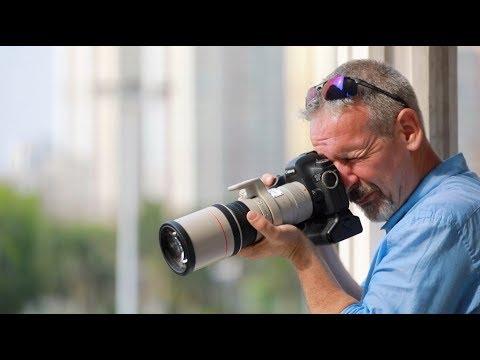 Irish photographer promotes Hainan to English world