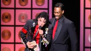 Michael Jackson, Artist Of The Millennium Award 2.002, Presented by Britney Spears