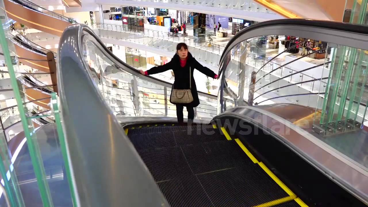 Spiral Shaped Escalators In Shanghai Shopping Mall Youtube