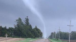 Extreme close up tornado footage from Pocahontas, Iowa - 5/29/2019