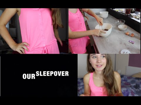 OUR SLEEPOVER - Cokkies, Q&A, pyjamas- ep. 1!