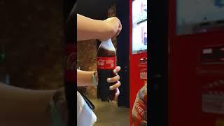 전교 1등 2명이 과냉각 콜라 자판기 보고 신기해하는 …
