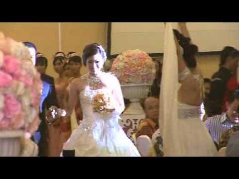 Prosesi masuk Wedding Ade & Vina