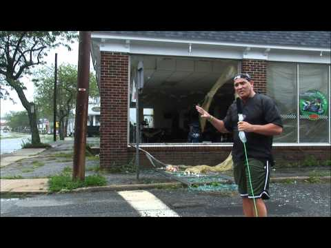 Hurricane Irene on the streets with Professor Bo O'Connell (Raw Media Outtakes)