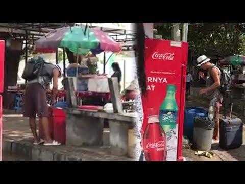 Video Viral Turis Asing Cari Makanan dari Tong Sampah di Bali, Pengunggah Mengaku Miris