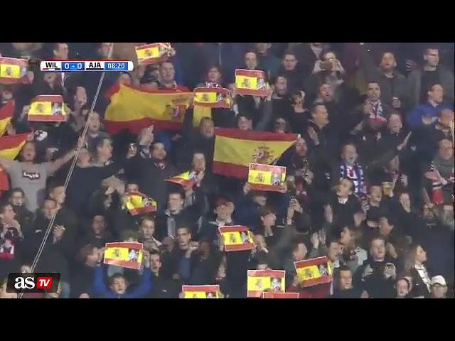 Homenaje de los aficionados del Willem II a Fran Sol