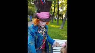 Download Фокусник Шляпник (Василий Чудеса) на детской площадке Mp3 and Videos