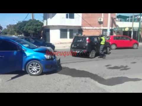 Un herido en un fuerte choque en el barrio El Progreso