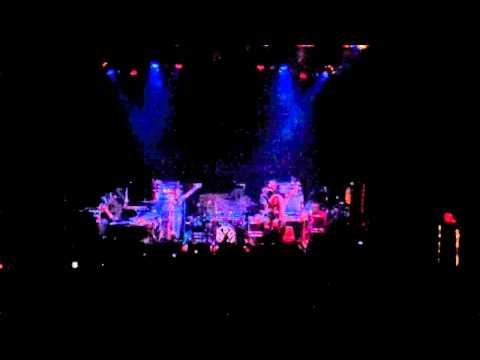 Neon Hitch - Follow Me Down [Live]