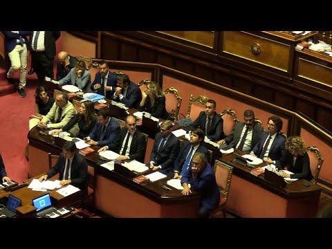 Tav, passano le mozioni a favore: Di Maio lascia l'aula, Salvini si complimenta con i suoi