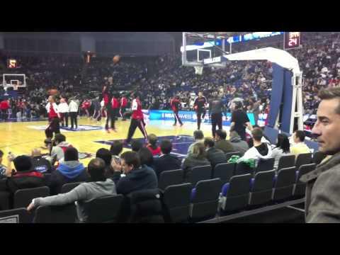 NBA London Games 2011 - Warm-Up Dunks Raptors