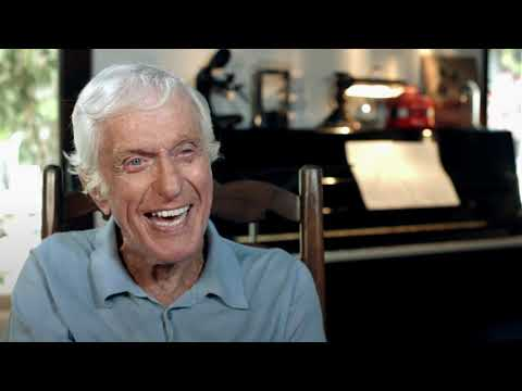 "Dick Van Dyke ""Mr Dawes Jr""  talks about Mary Poppins Returns"