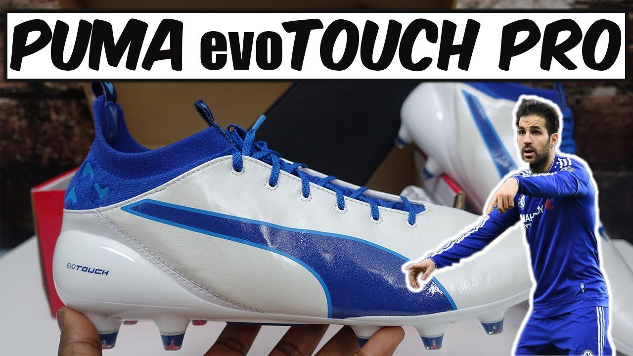 Arsenal Hora León  Cesc Fabregas Puma evoTOUCH Pro (White/Blue) Review + Play Test - YouTube