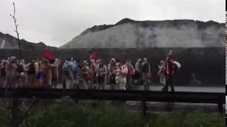 300 milieuactivisten leggen kolenoverslag stil