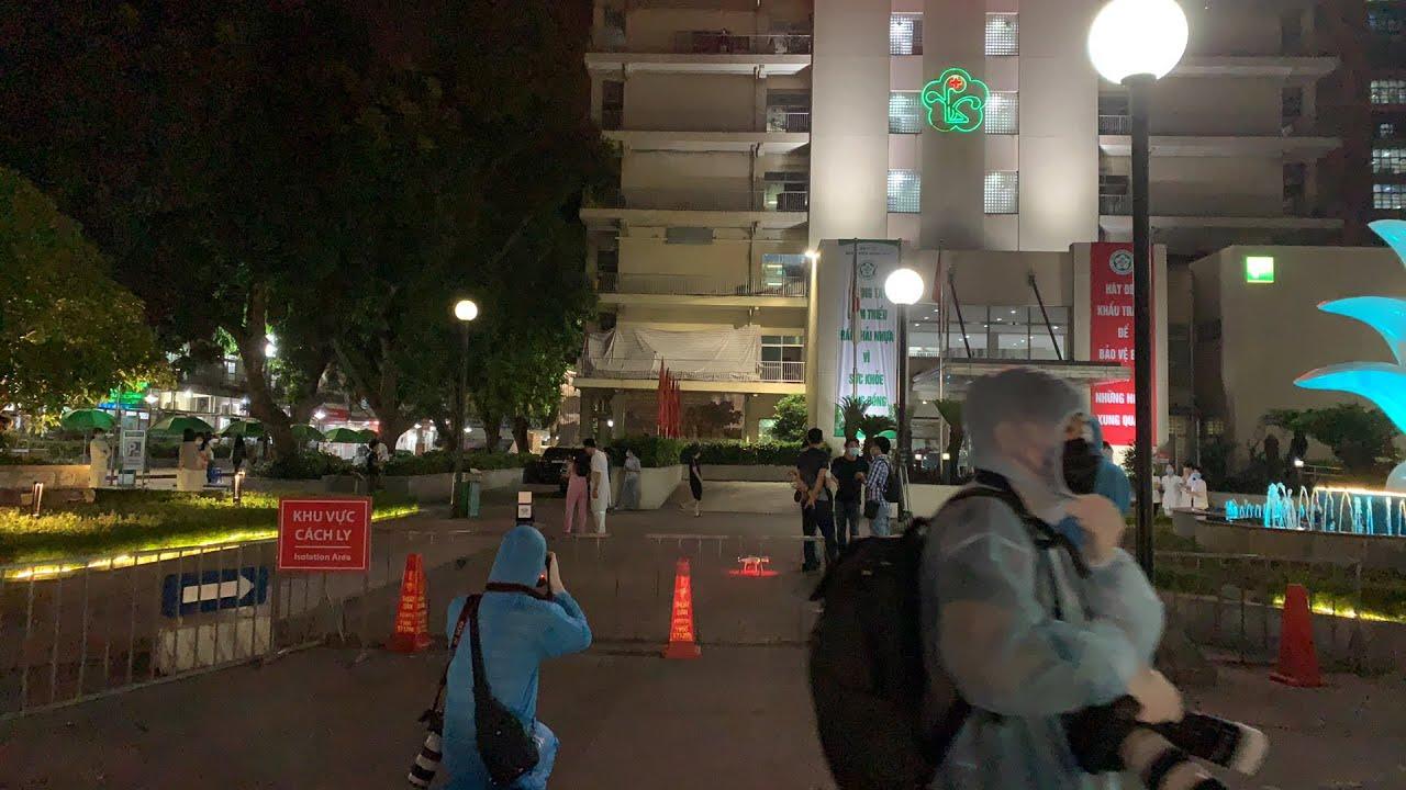 TRỰC TIẾP: Bệnh viện Bạch Mai chuẩn bị dỡ bỏ lệnh cách ly