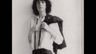 Land / Patti Smith