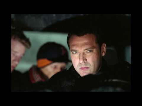 Tom Sizemore as Owen in Dreamcatcher (2003)