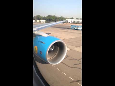 Start airplane engine boeing 767. Запуск двигателя самолёта