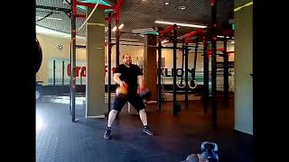 Парный жим стоя-101кг. Гири:51кг+50кг.Two-hand standing shoulder press -101 kg.Kettlebells:51kg+50kg