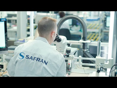 Immerse yourself in the Safran Electronics & Defense DNA