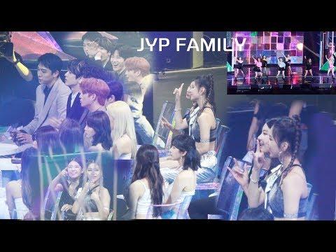 트와이스 (TWICE) 무대보며 응원하는 (JYP FAM) DAY6, ITZY (Breakthrough + FANCY + DTNA) 리액션