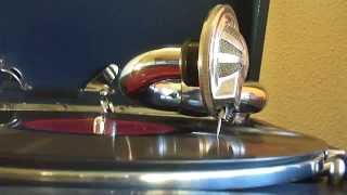 Edison Bell Dance Orchestra -  I miss My Swiss