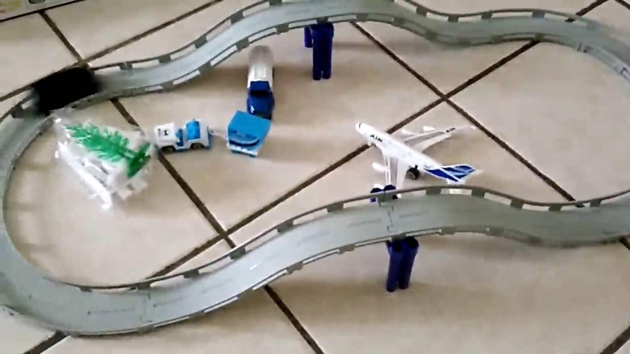 De Aéroport Jouet Classique Playset Electrique Voiture Circuit Véhi Ensemble Avion Miniature 0kPnwO8