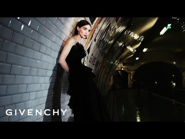 Givenchy De Est Quelle Musique « » 2018 Fragrance La Pub L'interdit SUVzGMpq