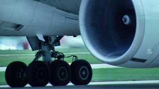 Close Up!! Boeing 777-300/ER Takeoff at Manchester (HD1080p) Awesome Sound!!!
