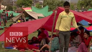 Nepal earthquake: Tent cities spring up in Kathmandu - BBC News
