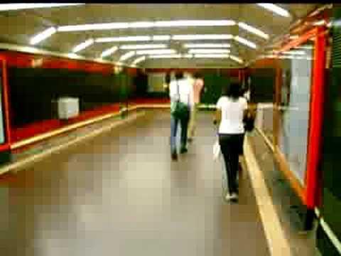 israel y samuel en el metro de madrid