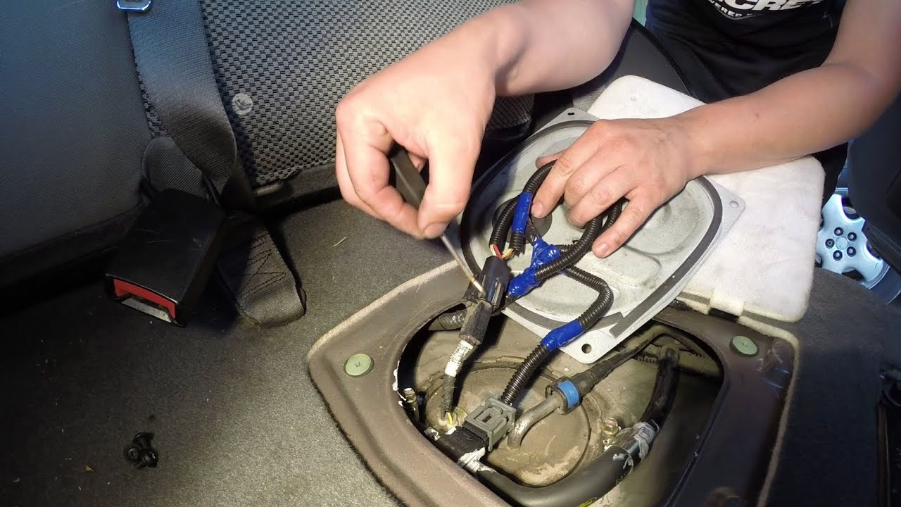 2005 Ford Escape P0452 Fuel Tank Pressure Sensor  Fixing Fords Across America  YouTube