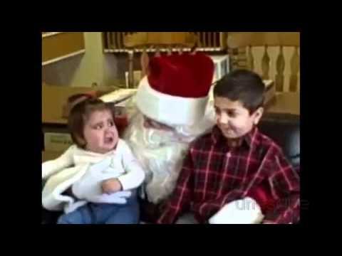 Niños asustados por Papa Noel
