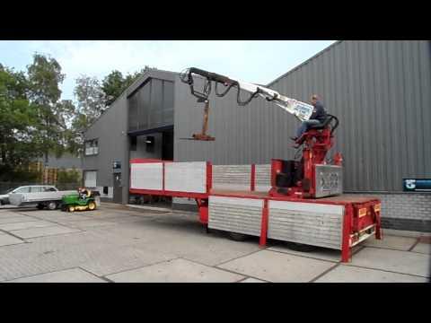 Pacton trailer with Kennis 16 tm crane