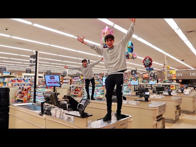 24 HOUR OVERNIGHT CHALLENGE IN GROCERY STORE! (CRAZY)