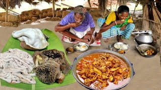 GOAT INTESTINE CURRY cooking & eating with rice for lunch by santali tribe couple  rural village