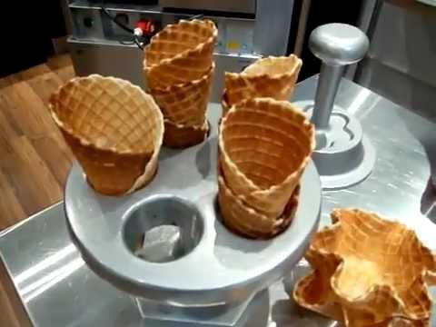 Cách làm bánh ốc quế chuyên nghiệp cho kem tươi!