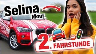 Zweite Fahrstunde mit Selina Mour 🚨 | Fischer Academy