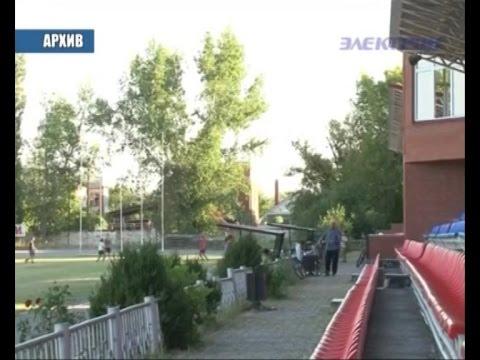 Жители поселка Ахтырский пытаются вернуть местный стадион в муниципальную собственность.