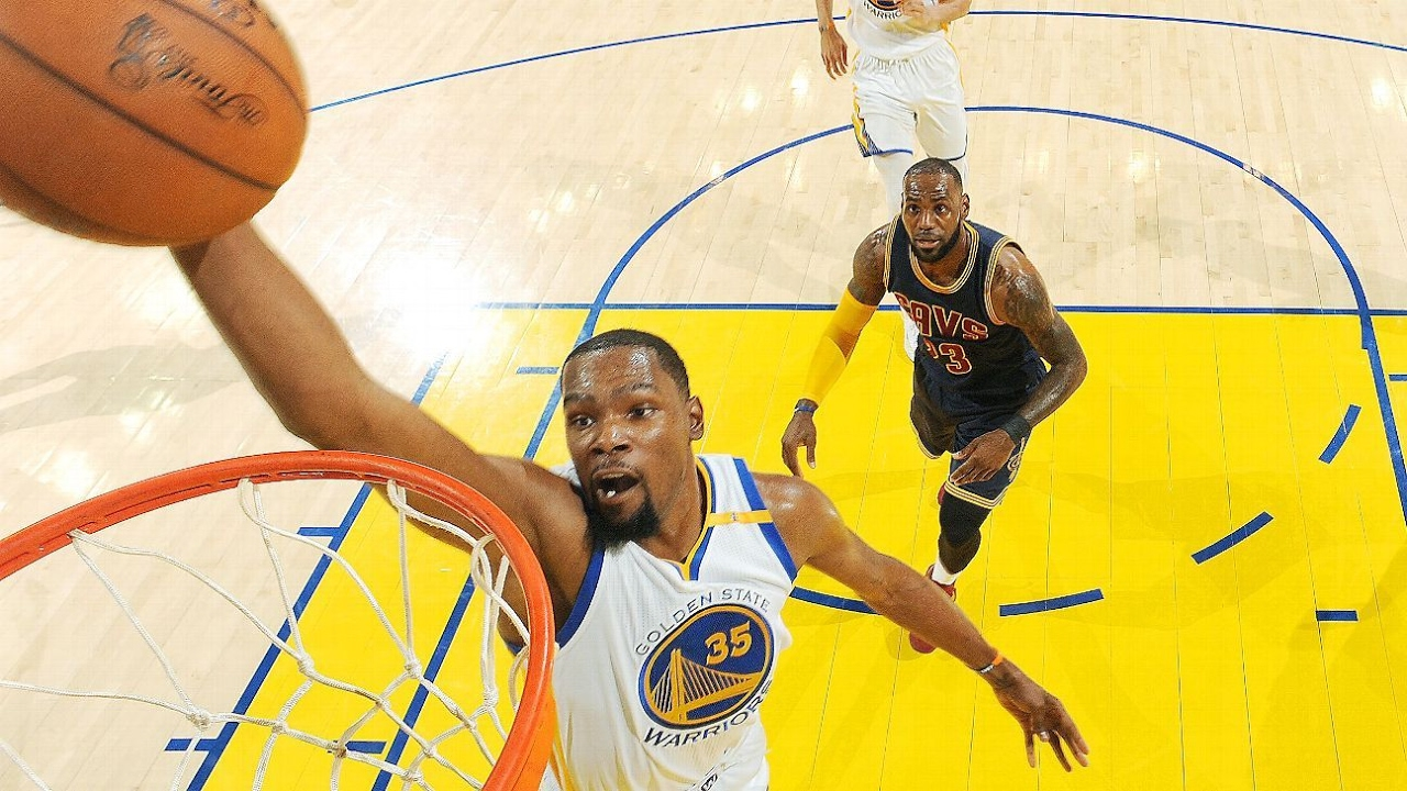 Kevin Durant delivers opening wallop in Warriors' historic quest