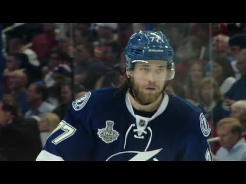 Victor Hedman discusses his early hockey memories