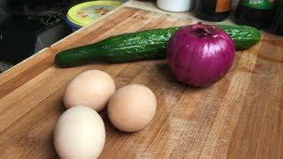 一个洋葱一根黄瓜加3个鸡蛋这样炒,简单营养,越吃越想吃