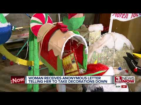 Louisville woman gets letter telling her to take down Christmas display