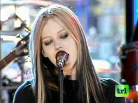 Avril Lavigne - Don't Tell Me Live on MTV TRL