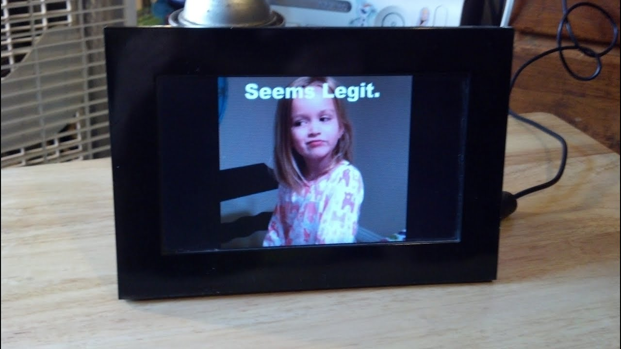 A Coby Digital Photo Frame Model Dp 700 Youtube